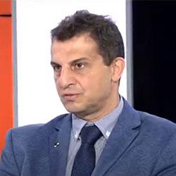 Ο Γιάννης Βαφειαδάκης στον τηλεοπτικό σταθμό του MEGA